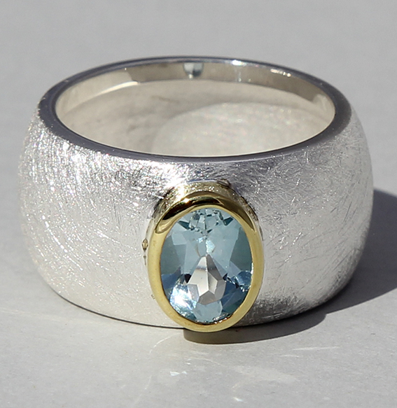 Silberring teilvergoldet mit Topas   Golan oval