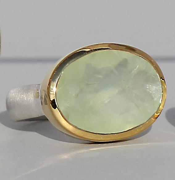 Silberring vergoldet mit Prehnit | groß