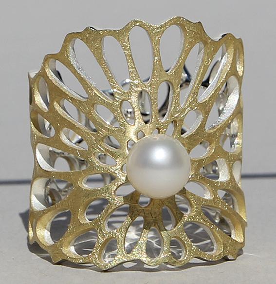 Silberring vergoldet mit SWZ Perle   Lotusblatt