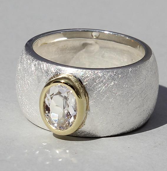 Silberring teilvergoldet mit Bergkristall   Golan oval