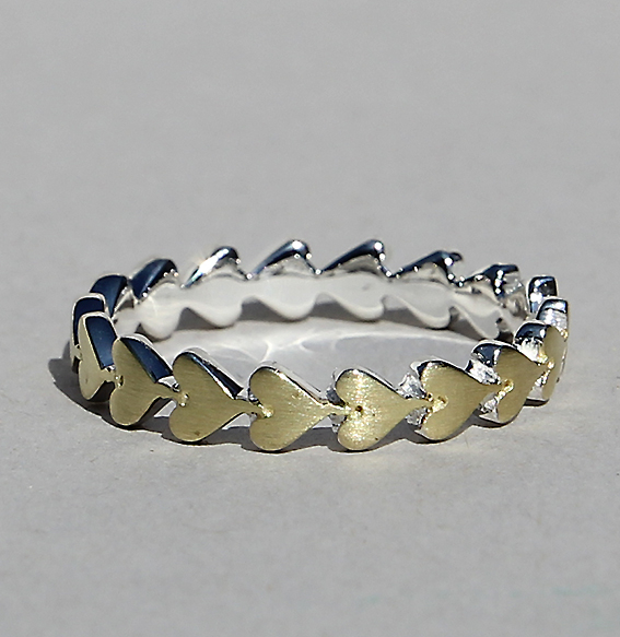 Silberring 1-reihig vergoldet | Herzchenband