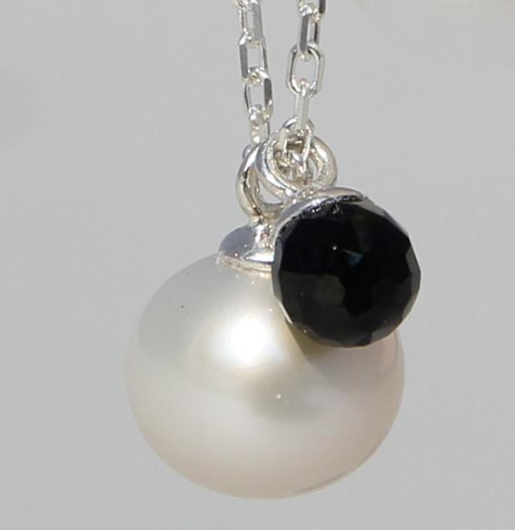 Silbercollier SWZ Perle und Spinell | Fine Pearls