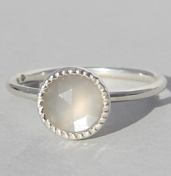 Silberring mit grauem Mondstein | Spring sparkle klein