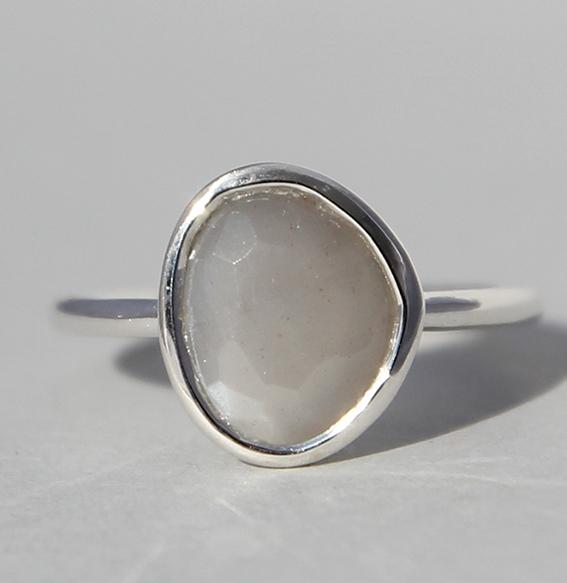 Silberring mit Mondstein grau   Fine sparkle big