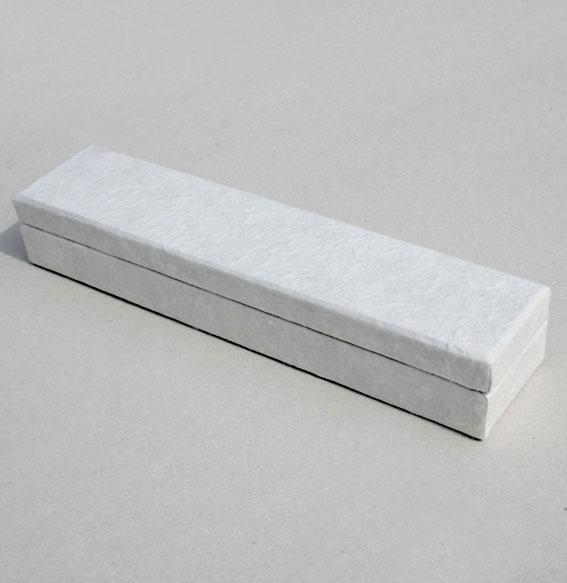 Papierbox -Collier- lang weiß