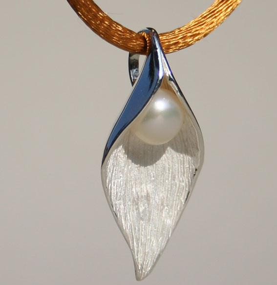 Silberanhänger Hoffnung mit SWZ-Perle