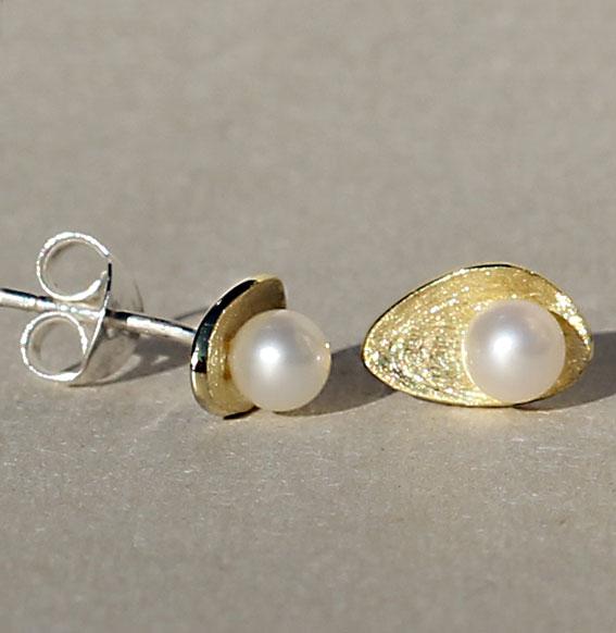 Ohrstecker vergoldet mit SWZ Perle | Lunaris