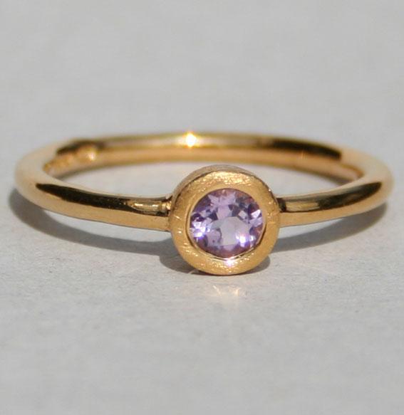 Ring -Fine- vergoldet mit Amethyst