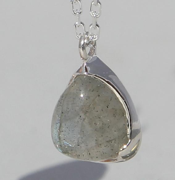 Silbercollier mit Labradorit | Fine Triangle